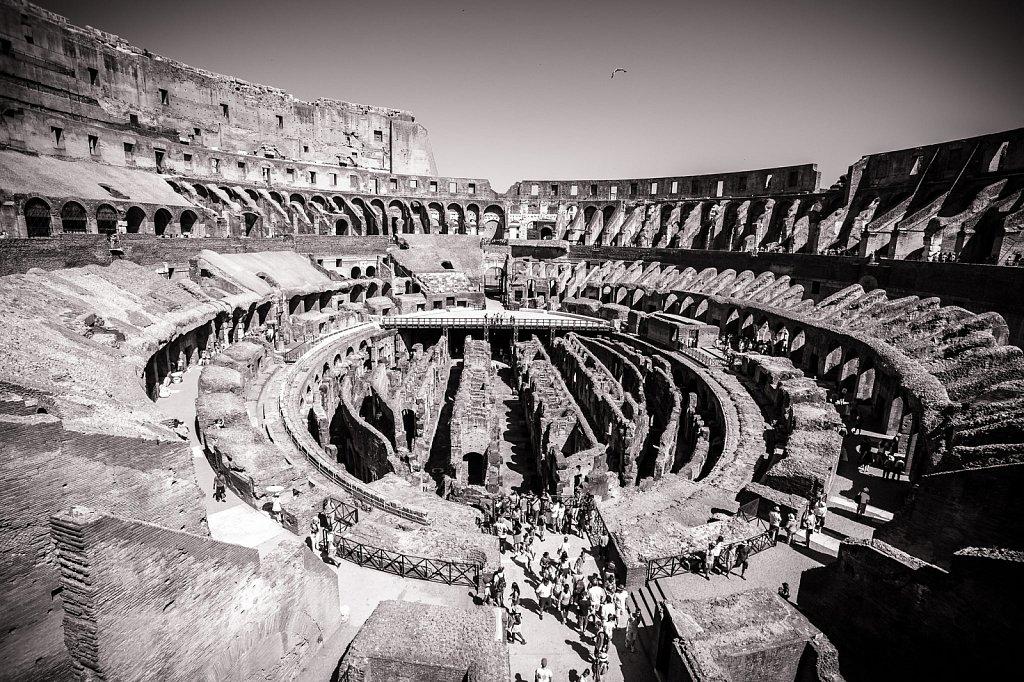 Inside Coliseo